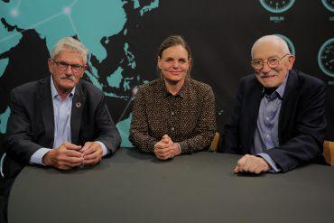 Uffe og Mogens om verden Atomvåbenkontrol og udenrigspolitisk overblik